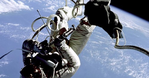 Live Chat: First American Spacewalk